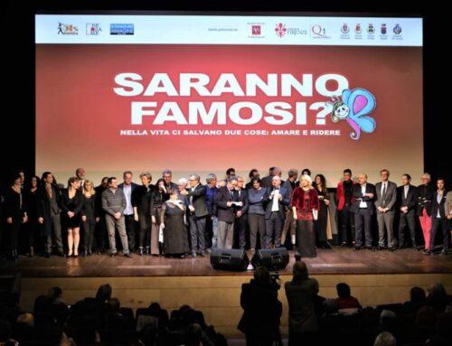 """Roberta conduce l'anteprima del film """"Saranno Famosi ?"""", dove è anche interprete."""